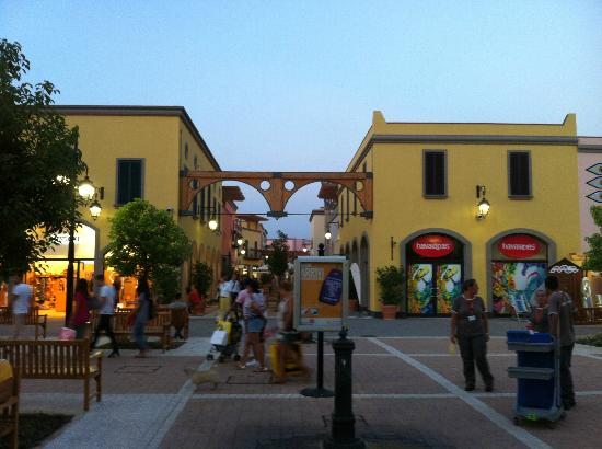 cilento-outlet-village